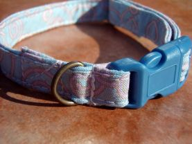 WHISTLING WINDS Pink Light Blue Organic Cotton Dog Collar SIZE SMALL - All Antique Brass Hardware