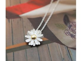 White Daisy flower pendant necklace-2