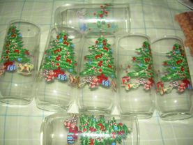 CHRISTMAS GLASSES new set of 7