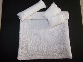 Dollhouse Miniature - Lace Comforter - Lace Bedspread - Pillows - 1:12 Scale - White - Removable Pillowcases - handmade