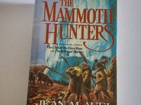 The Mammoth Hunters by Jean M. Auel  Hardcover  1st Edition  (Earths Children #3)
