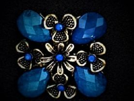 Antique Style Flower Brooch Available in 2 Colors