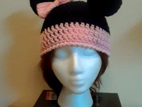 Adult size, Minnie Mouse, Crochet winter beanie with bow and ears