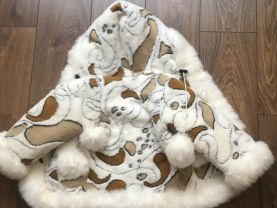 natural sheepskin coat.For a girl 4-6 years old