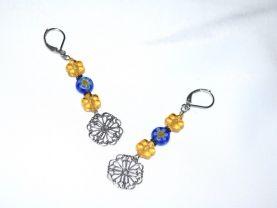 Handamde flower earrings with flower beads and filigree stamping drop